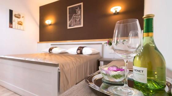 Fotografiranje apartmana - soba, krevet, detalj - Split, Dalmacija, Hrvatska