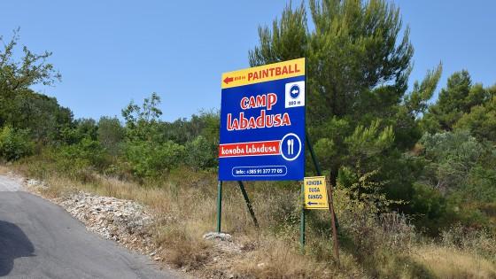 Izrada reklama - reklamni putokaz - Autocamp Labadusa - Split, Dalmacija, Hrvatska