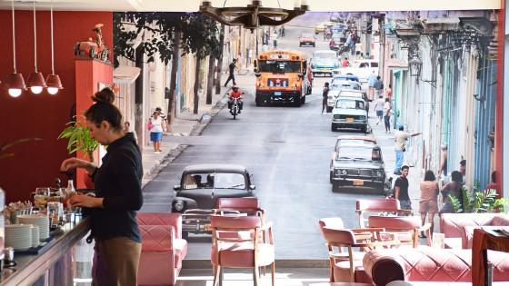 Oslikavanje interijera - zidna naljepnica - Caffe bar Kuba - Split, Dalmacija, Hrvatska